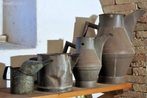 exponáty v Muzeu olivového oleje