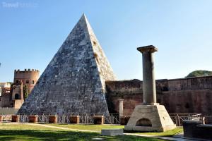 Cestiova pyramida v Římě