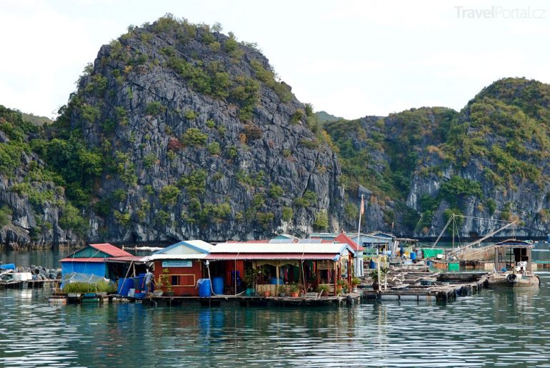 zátoka Halong Bay