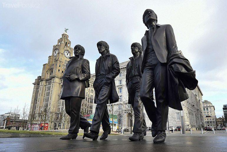 pomník Beatles v Liverpoolu