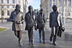 skupina Beatles má pomník v Liverpoolu