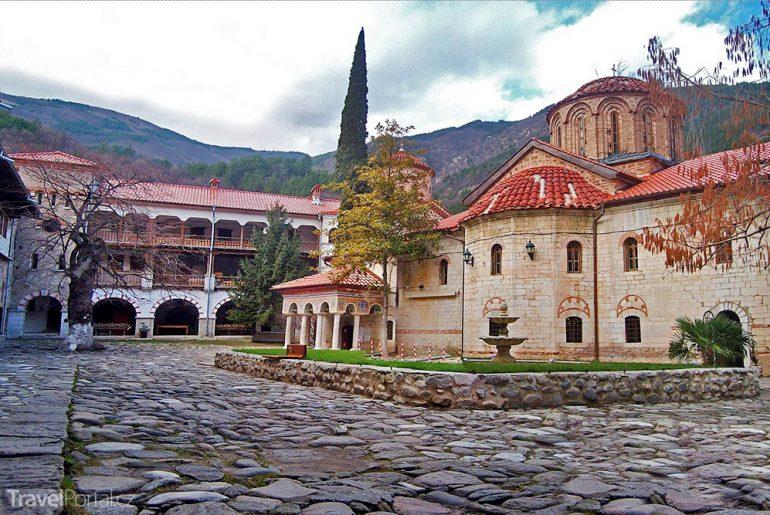 nádvoří Bačkovského kláštera