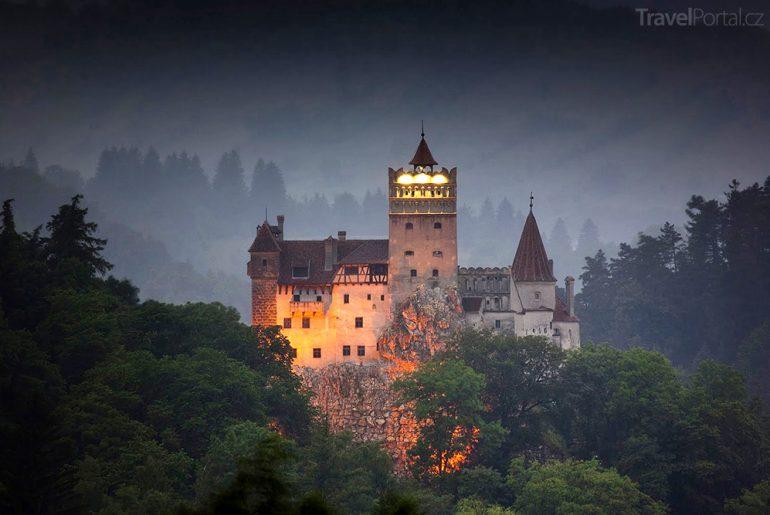 hrad Bran patří mezi strašidelné památky