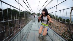 skleněný most v Geoparku Pching-ťiang