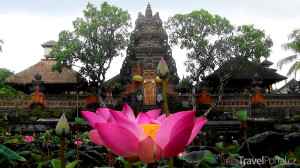 chrám Saraswati v městě Ubud
