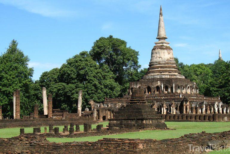chrám Wat Chang Lom