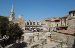 město Arles