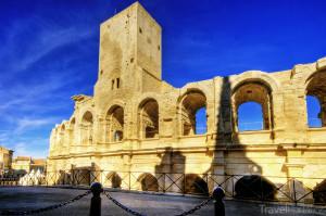amfiteátr ve městě Arles