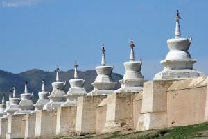 miniaturní stúpy v klášteře Erdenedzú