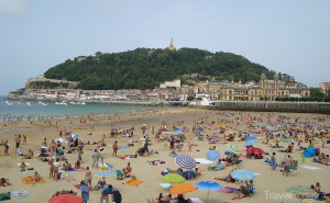 pláž u města San Sebastián