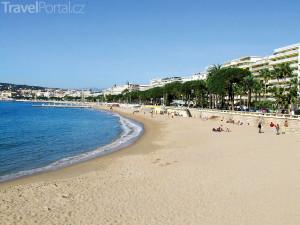 pláž v Cannes