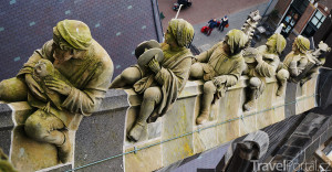 sochy na střeše katedrály sv. Jana