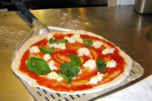 příprava italské pizzy
