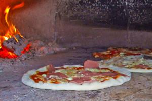 pizza v peci