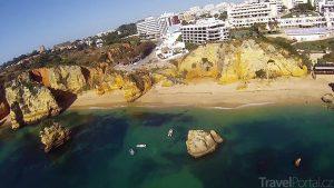 pláž Praia da Dona Ana