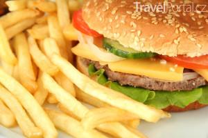 cheeseburger s hranolky