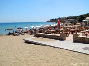 pláž v Karfasu