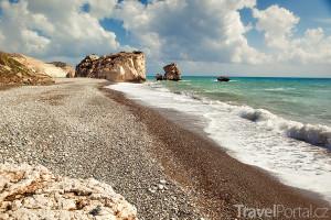 Petra tou Romiou neboli Afroditina pláž