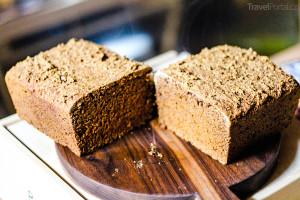 islandská kuchyně nabízí i rúgbrauð