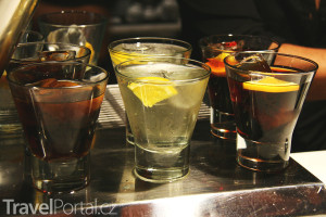vermut ve sklenicích