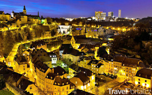 město Lucemburk v noci