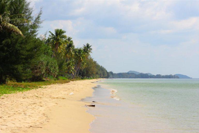 pláž Hat Chao Lao u letoviska Khlong Khut