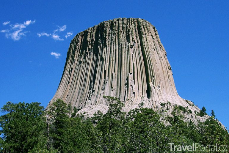 skalní monument Devils Tower