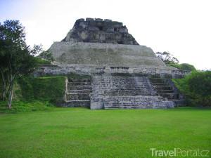nejznámější mayská stavba Xunantunich