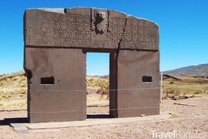 brána v Tiwanaku