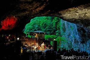 koncert v Peak Cavern