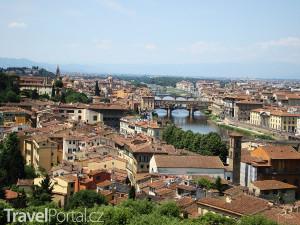 most Ponte Vecchio z dálky