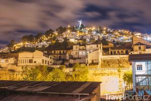 kopec Panecillo večer
