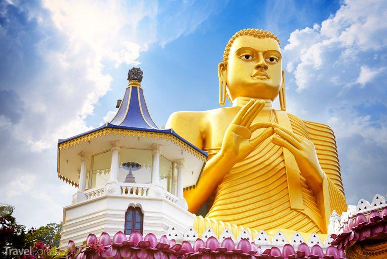 zlatý Buddha ve městě Dambulla