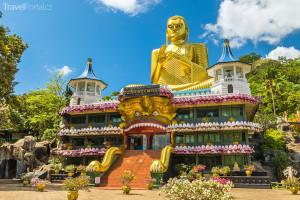 chrám se zlatým Buddhou