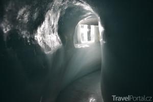 ledový tunel