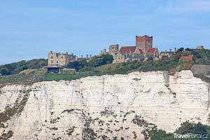 bílé útesy doverské a hrad Dover