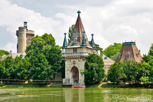 napodobenina středověkého hradu Franzensburg