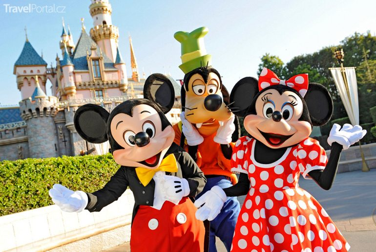 Co takhle Velikonoce 2017 v Disneylandu?