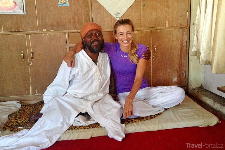 Ve městě Leh s místním jogínem