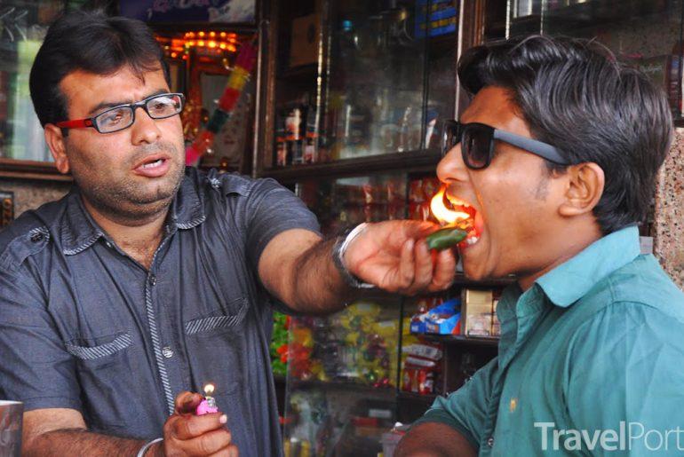indický pokrm fire paan