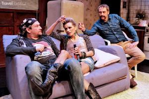 V divadle Kalich hraje Ivana Jirešová ve hře Zabiják Joe – s Markem Taclíkem a Igorem Chmelou.
