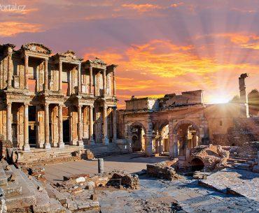 Celsova knihovna ve městě Efez