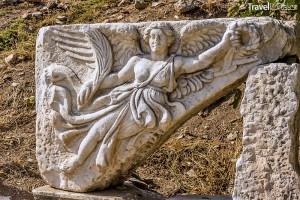 skulptura zobrazující bohyni Niké