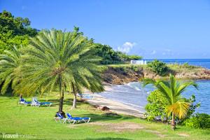 jedna z pláží na ostrově Antigua