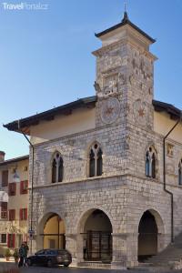 radnice ve Venzone