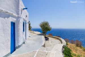 ulička na ostrově Sifnos