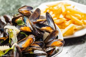 mezi belgické speciality patří i moules et frites