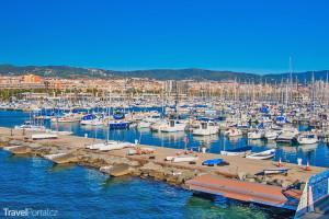 přístav Mataró na pobřeží Costa del Maresme