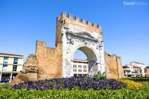 Augustova brána v Rimini