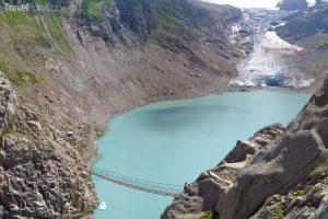 Mezi švýcarské visuté mosty se řadí také Trift.